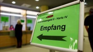 Mehr als 900 Milliarden Euro Sozialausgaben