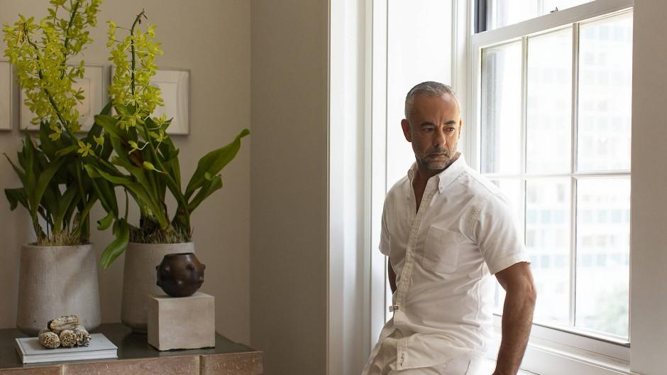 """""""Die Modeindustrie vermisse ich ganz bestimmt nicht"""", sagt Francisco Costa über seine letzten Jahre bei Calvin Klein."""