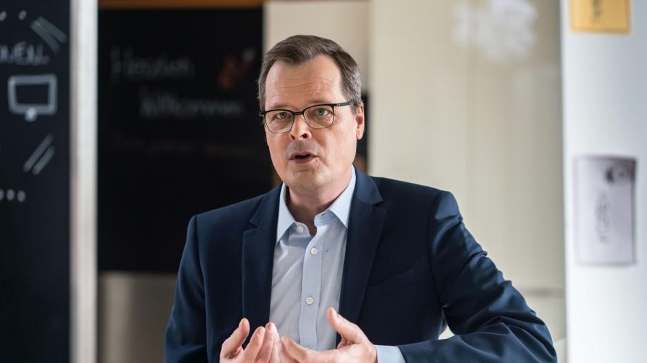 Joachim Wuermeling stellt ein Ende der krisenbedingten Sonderregulierungsmaßnahmen für Banken in Aussicht.
