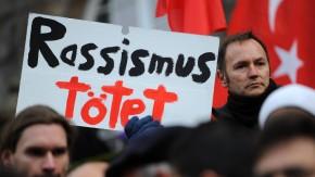 Menschenkette gegen Rechtsextremismus