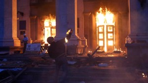 Dutzende Tote bei Feuer in Gewerkschaftsgebäude in Odessa