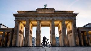 Bundes-Notbremse tritt am Samstag in Kraft