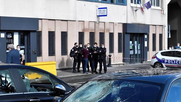 Attacke auf Polizei schockiert Frankreich