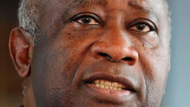 Laurent Gbagbo nach Den Haag ausgeliefert