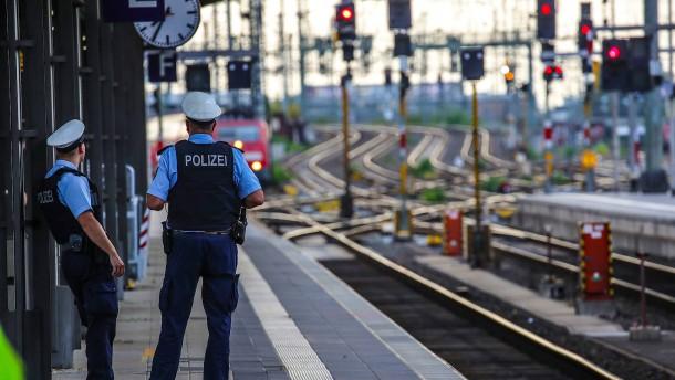 Diskussion über Sicherheit an Bahnhöfen