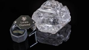 Ein Diamant, so groß wie ein Tennisball