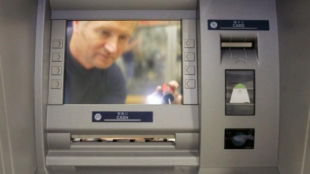 Geldautomaten bringen weniger Geld