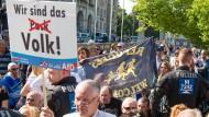 AfD-Sympathisanten am 10. September vor der Kommunalwahl in Niedersachsen in Hannover
