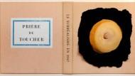 Wortspiele waren seine Sache, kaustische Erotik auch: Duchamps Umschlag für den Katalog der Surrealisten-Ausstellung in der Pariser Galerie Maeght im Jahr 1947.