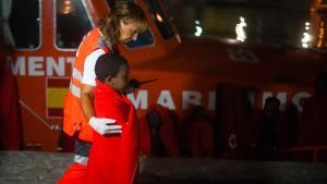 Spanische Küstenwache rettet 200 Menschen