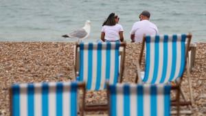 Reisebeschränkung für unverheiratete Paare wird aufgehoben
