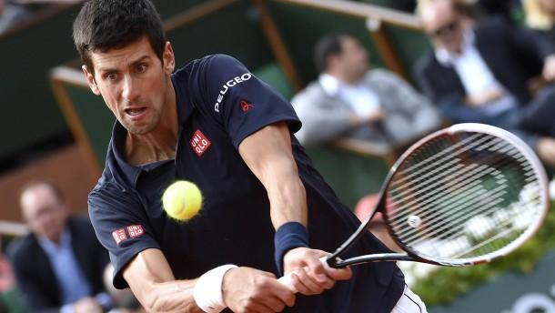 Djokovic bleibt konstant