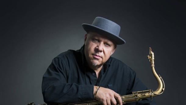 Hessischer Jazzpreis für Tony Lakatos