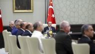 Parlament billigt Verlängerung des Ausnahmezustands