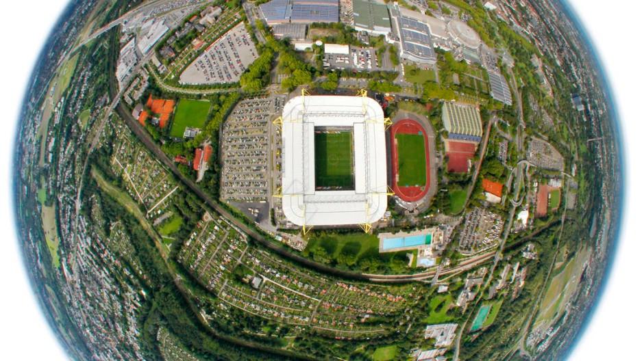 Von weit oben betrachtet ist die Fußball-Welt in Ordnung