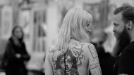 Ein schöner Rücken kann immer entzücken? Trotz des Kunstwerkes auf der Rückseite – Tattoos bleiben Geschmackssache.