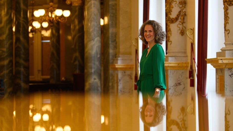Nora Schmid, Intendantin der Oper Graz, übernimmt mit der Spielzeit 2024/2025 die Leitung der Sächsischen Staatsoper Dresden