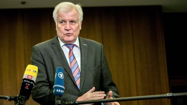 AfD-Klage gegen Horst Seehofer erfolgreich