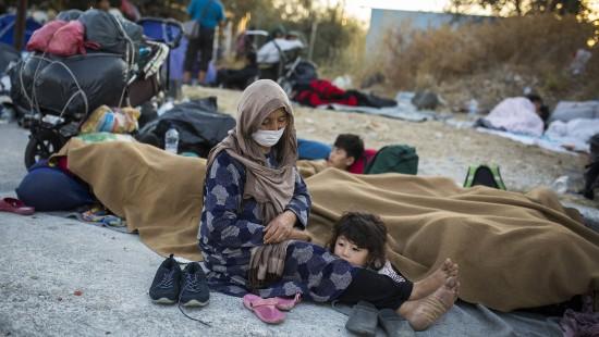 Geflüchtete auf Lesbos auf sich gestellt