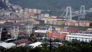 Mindestens 35 Tote nach Einsturz von Autobahnbrücke in Genua