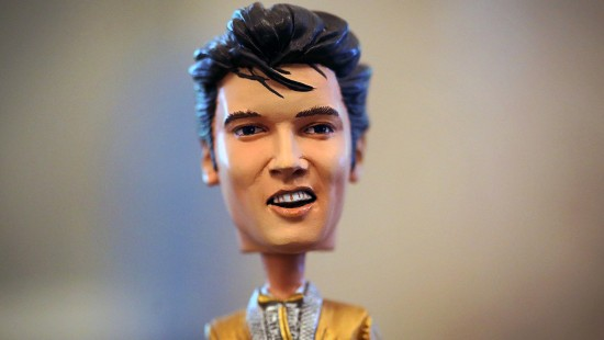Elvis' Haare kommen unter den  Hammer