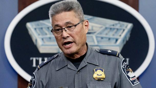 Angreifer tötet Polizist vor Pentagon