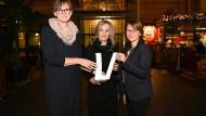 Ausgezeichnet: Daniela Matha, Hanne Reichel und Bozica Niermann in Berlin
