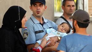 Tausende Migranten erreichen Kroatien