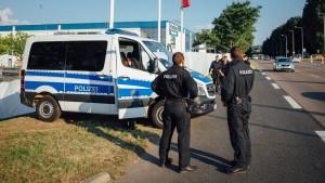 Gabriel kritisiert Versammlungsverbot in Heidenau