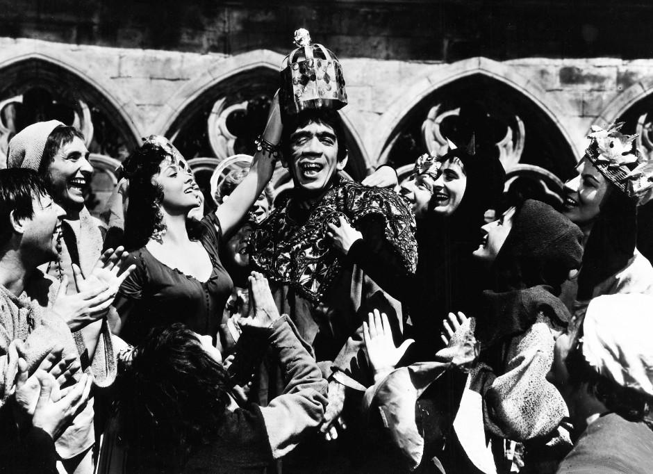"""Anthony Quinn 1956 als Quasimodo in """"Der Glöckner von Notre Dame"""""""