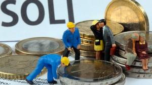 Wirtschaftsweise für Abschaffung des Soli und weniger Arbeitslosenbeitrag