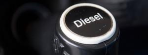 Diesel ist an der Zapfsäule billiger als Benzin, dafür ist der Anschaffungspreis eines Diesel-Fahrzeugs höher.