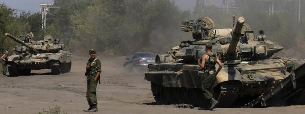 Russische Soldaten und Panzer vergangene Woche in Kamensk-Schaktinski nahe der Grenze zur Ukraine