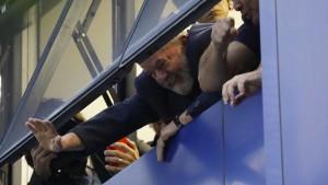 Brasiliens Ex-Präsident tritt Haftstrafe nicht an