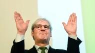 Wiedergewählt: Darmstadts Oberbürgermeister Jochen Partsch (Bündnis 90/Die Grünen) ist in seinem Amt bestätigt worden.