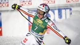 Rebensburg rast beim Weltcup-Super-G zum Sieg