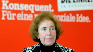Linkspartei nominiert Klarsfeld als Kandidatin