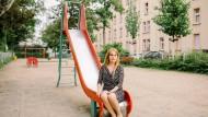 Ihr soll das elterliche Sorgerecht entzogen werden: Polina Lopatko wehrt sich gegen das Jugendamt Frankfurt.