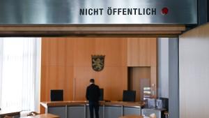 Junger Hacker zu neun Monaten Jugendstrafe auf Bewährung verurteilt