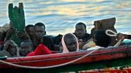 Wissen vor dem Versinken bewahren: Flüchtlinge auf dem Weg nach Europa