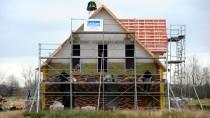 Aufbauarbeit: Eigenheim in Aukrug in Schleswig-Holstein