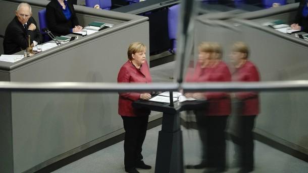 Unruhe und Zwischenrufe bei Merkels Corona-Erklärung