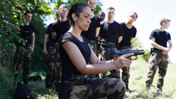 Frankreich beschließt Nationalgarde
