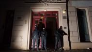 Festnahmen bei Razzien in Salafistenszene