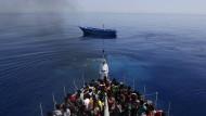 Renzi will Leichen von Bootsflüchtlingen bergen lassen