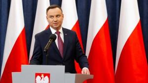 Polens Präsident unterschreibt umstrittene Justizreformen