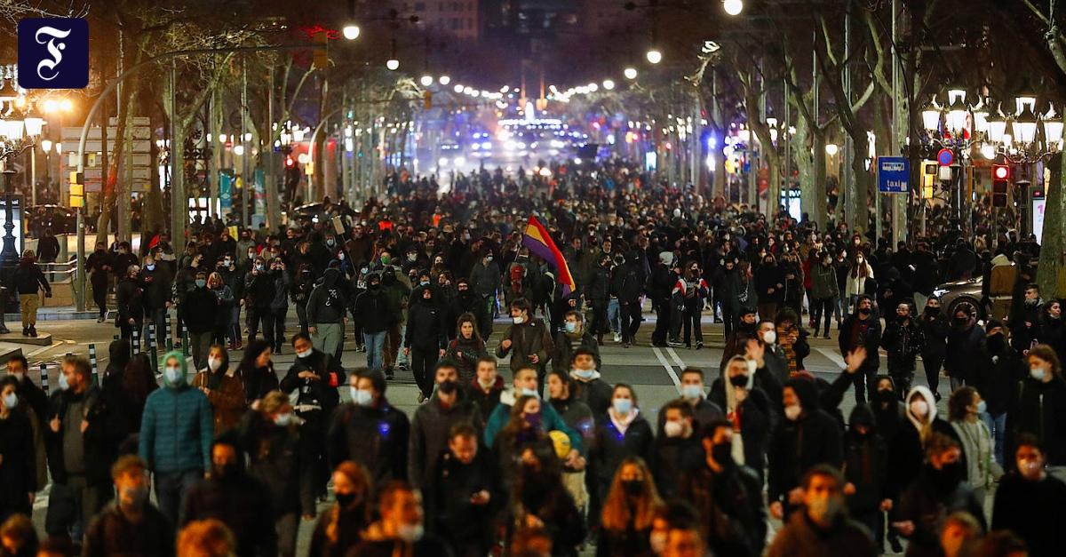 Spanien erlebt fünfte Nacht in Folge mit Protesten und Krawall - FAZ - Frankfurter Allgemeine Zeitung