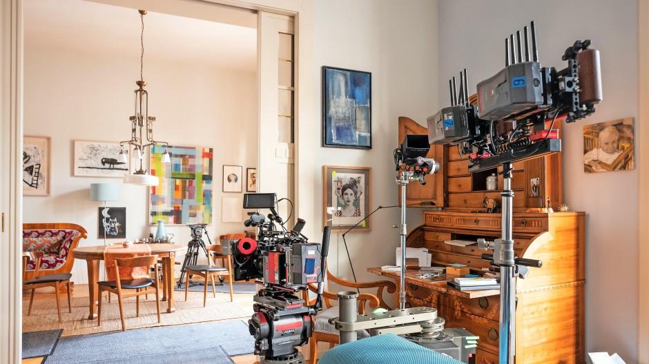 """Diese Frankfurter Wohnung wurde zum """"Tatort""""-Drehort. Noch häufiger zieht es aber  die  Werbebranche in private Wände – für die Bewohner kann das lukrativ sein."""