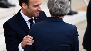 May trifft Macron