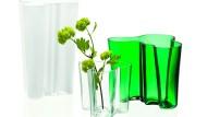 Bestseller und Ikone unter den Accessoires: Die Savoy-Vase, die der finnische Architekt Alvar Aalto 1937 entworfen hat.